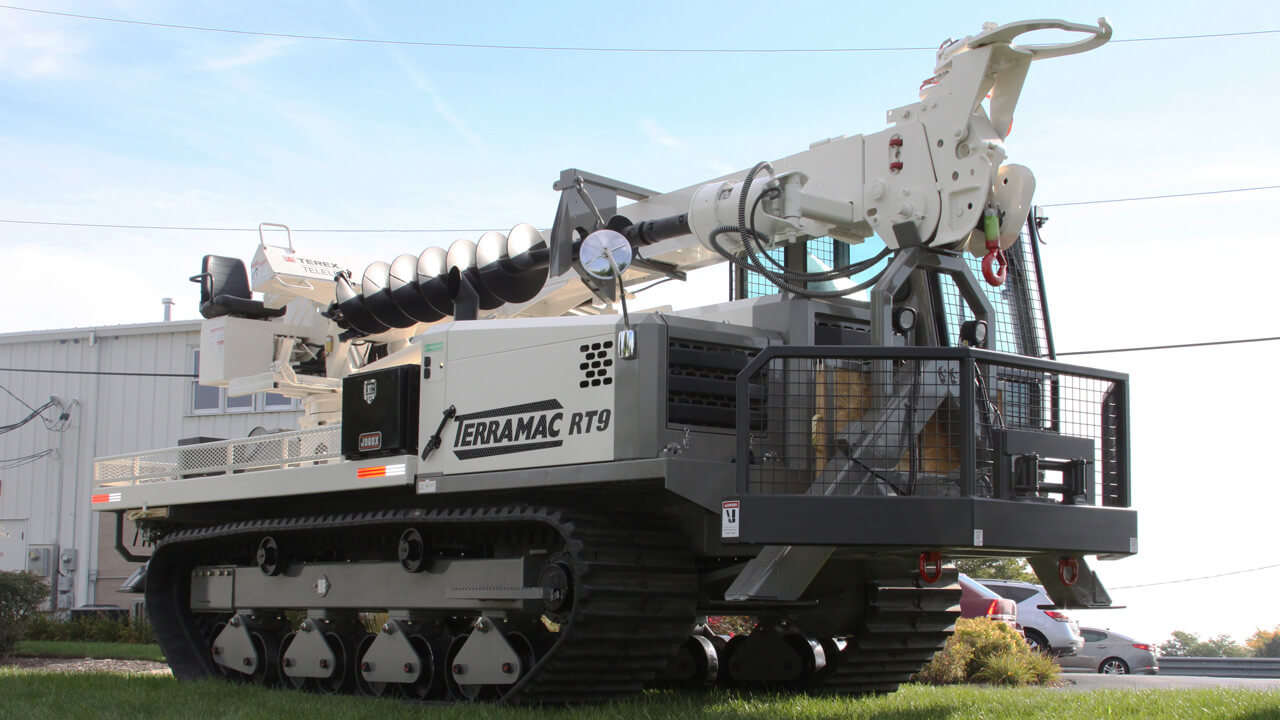utility and powerline applications terramac rt9 with digger derrick