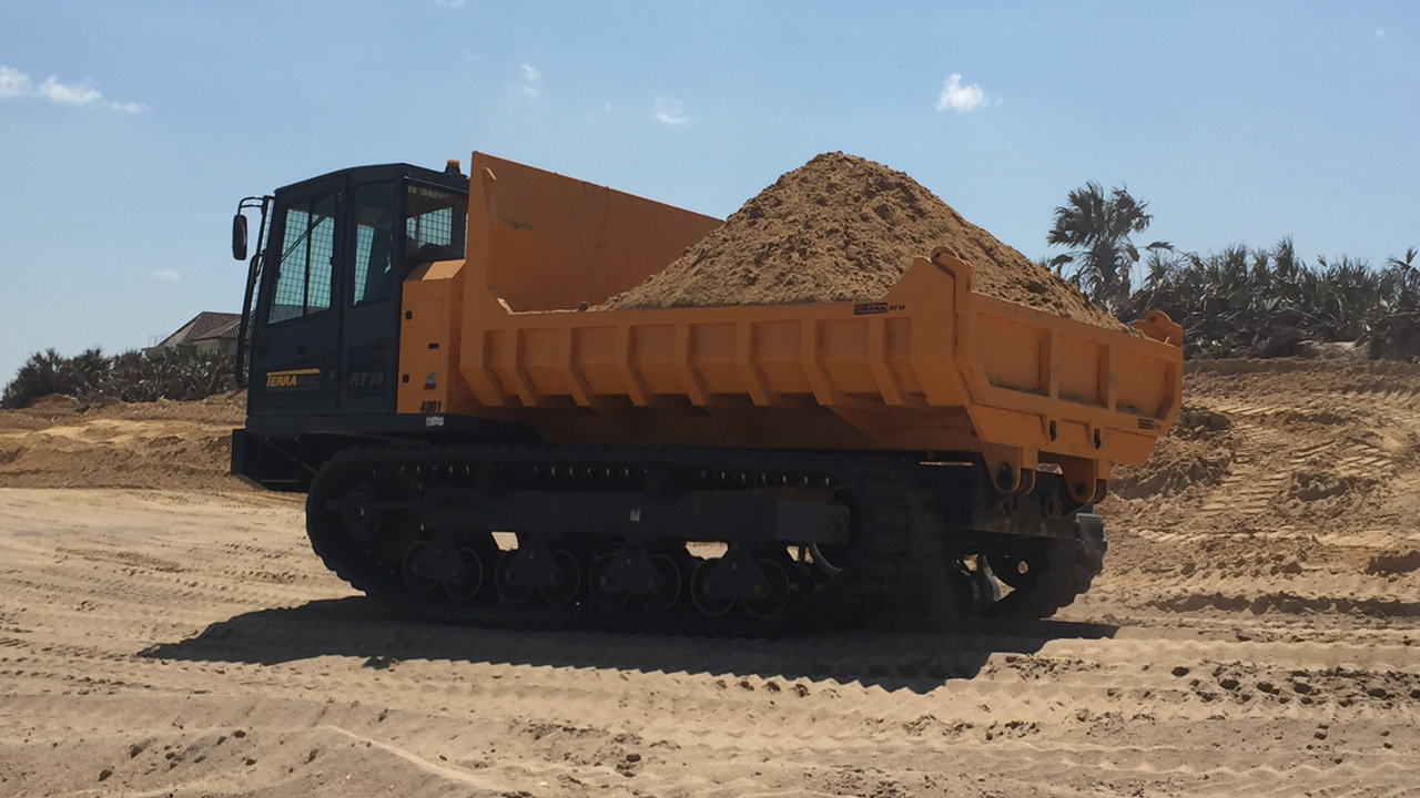 RT14 hauling sand